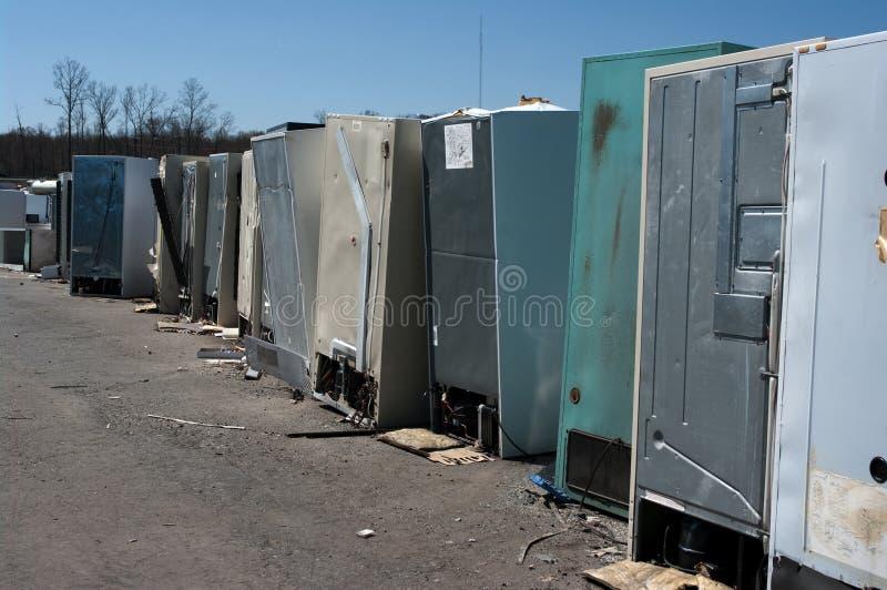 Réutilisation de réfrigérateurs images libres de droits