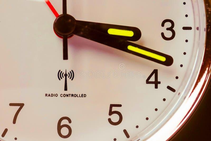 réveil commandé par radio photographie stock