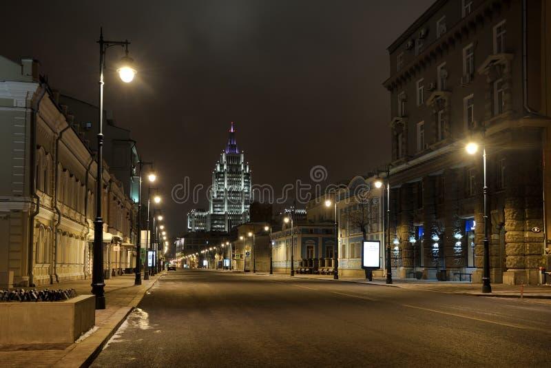 Réverbères de Malaya Dmitrovka la nuit - Moscou, Russie images libres de droits