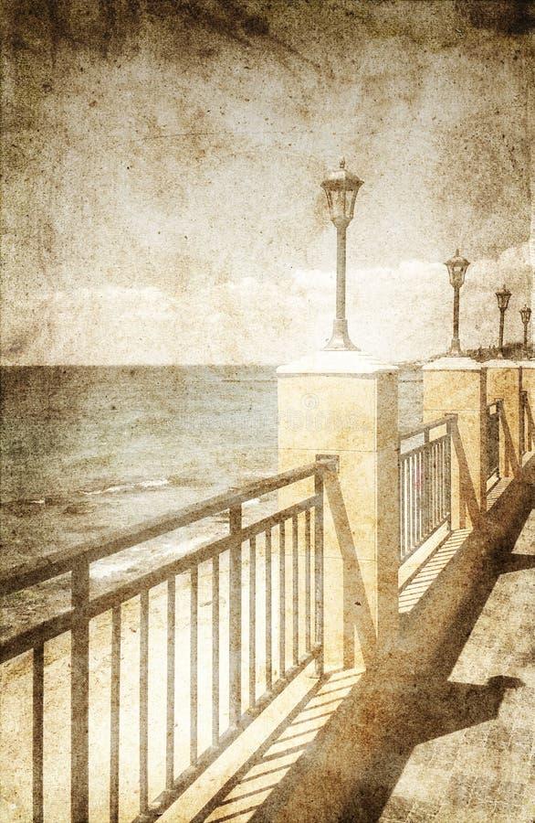 Réverbères sur la promenade de mer image stock