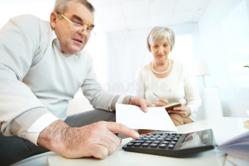 Révision financière image stock