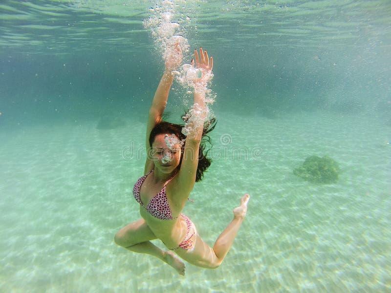 Rêver sous la mer photo libre de droits