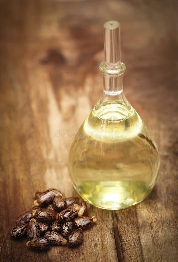 Rícinos e óleo imagens de stock