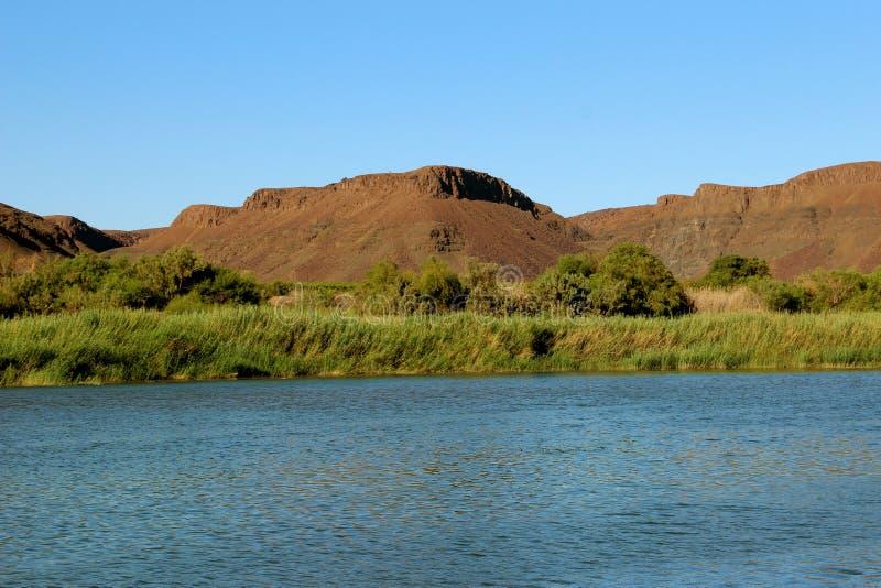 Río anaranjado foto de archivo