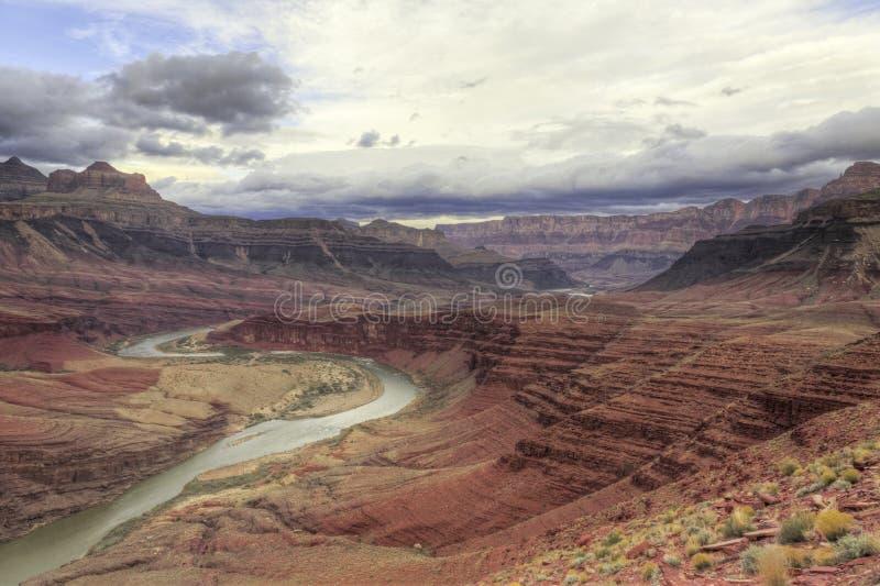 Río de Colorado del enrollamiento a través de la barranca magnífica fotos de archivo libres de regalías