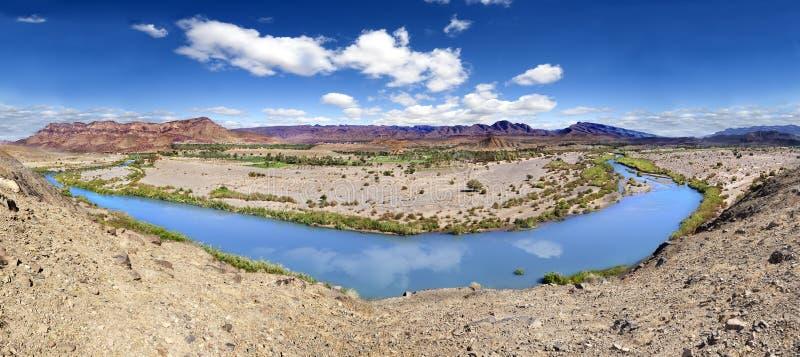 Río de Draa del panorama escénico imagen de archivo