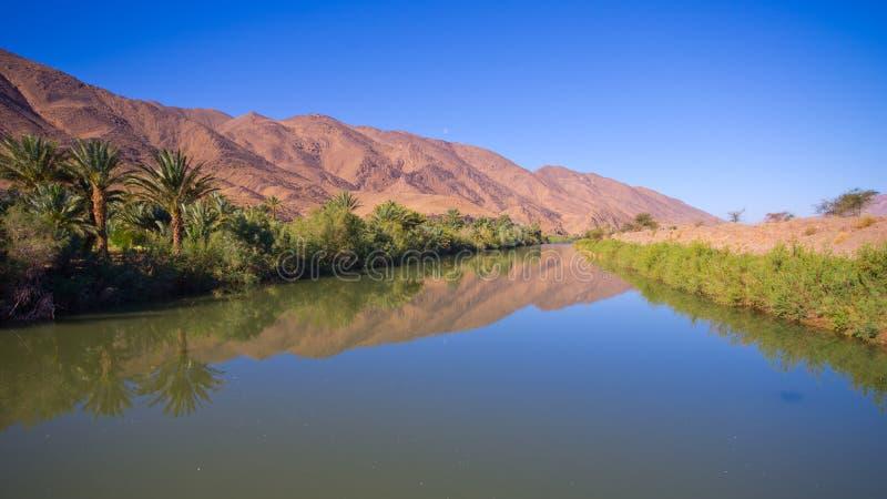 Río de Draa en Marruecos imagenes de archivo