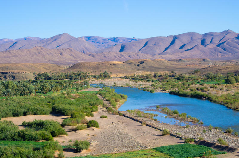 Río de Draa en Marruecos fotografía de archivo