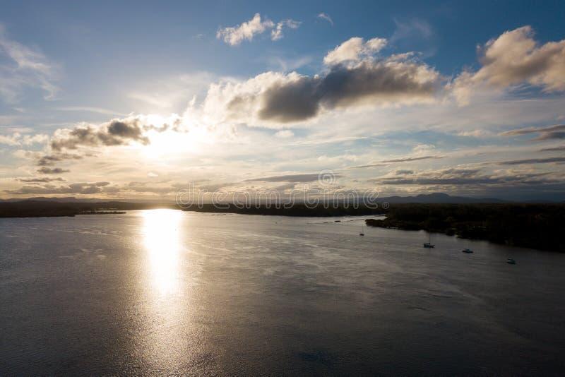 Río de Hastings al peñasco de Bago foto de archivo