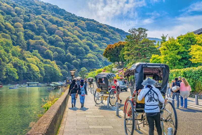 Río de Katsura, Arashiyama, Kyoto, Japón imágenes de archivo libres de regalías