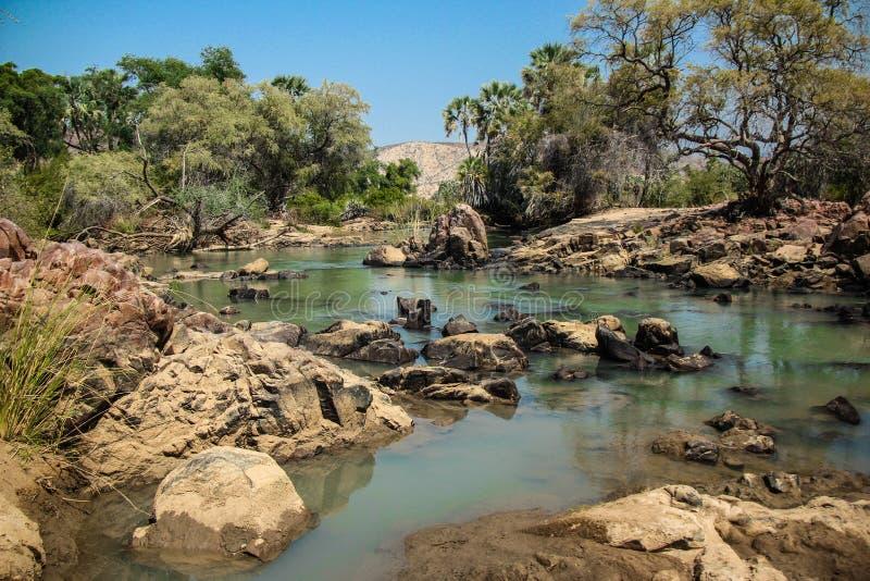 Río de Kunene, Namibia imágenes de archivo libres de regalías
