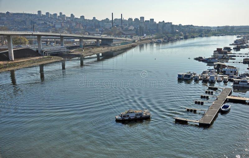 Download Río de la ciudad imagen de archivo. Imagen de cubo, verano - 41909559