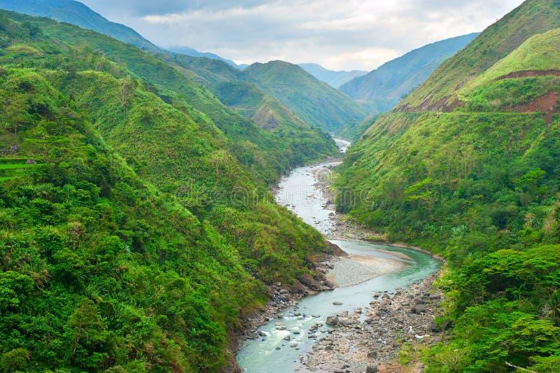 Río de las montañas imagen de archivo libre de regalías