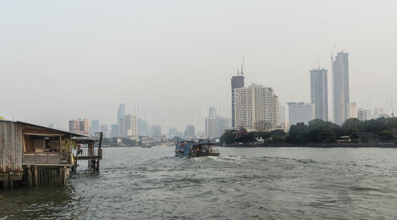 Río de Mae Nam Chao Phraya en Bangkok fotos de archivo