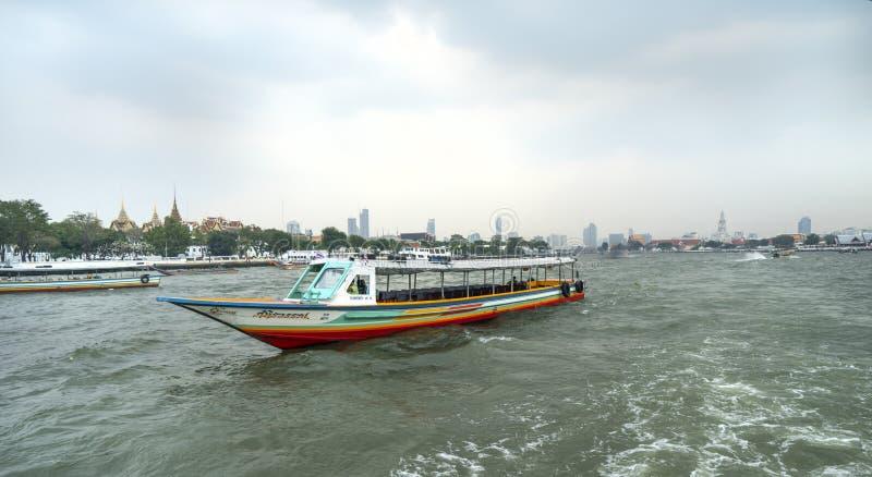 Río de Mae Nam Chao Phraya en Bangkok foto de archivo libre de regalías