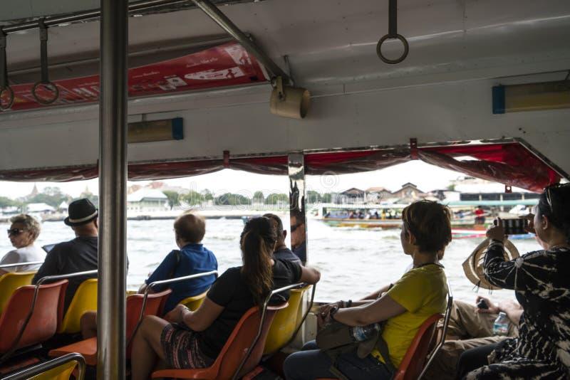 Río de Mae Nam Chao Phraya en Bangkok foto de archivo