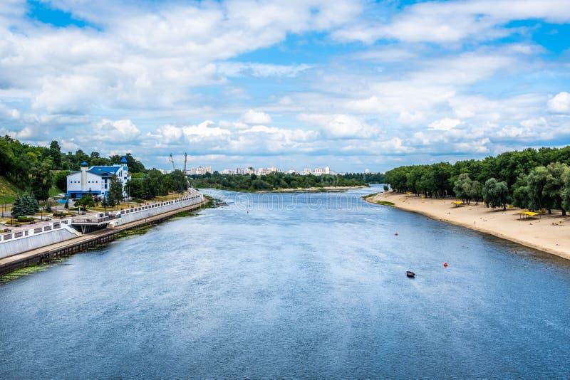Río de Sozh en Gomel, Bielorrusia foto de archivo