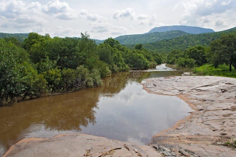 Río de Steelpoort entre Steelpoort y Burgersfort, Suráfrica fotos de archivo libres de regalías