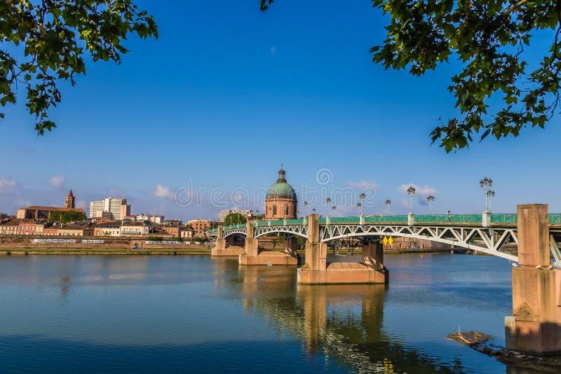 Río de Toulouse, Francia imagen de archivo