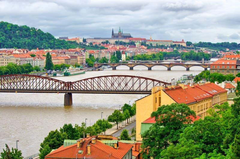 Río de Vltava en Praga, República Checa imagen de archivo