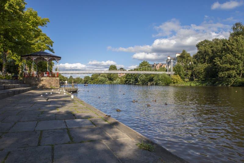 Río Dee en Chester imagen de archivo