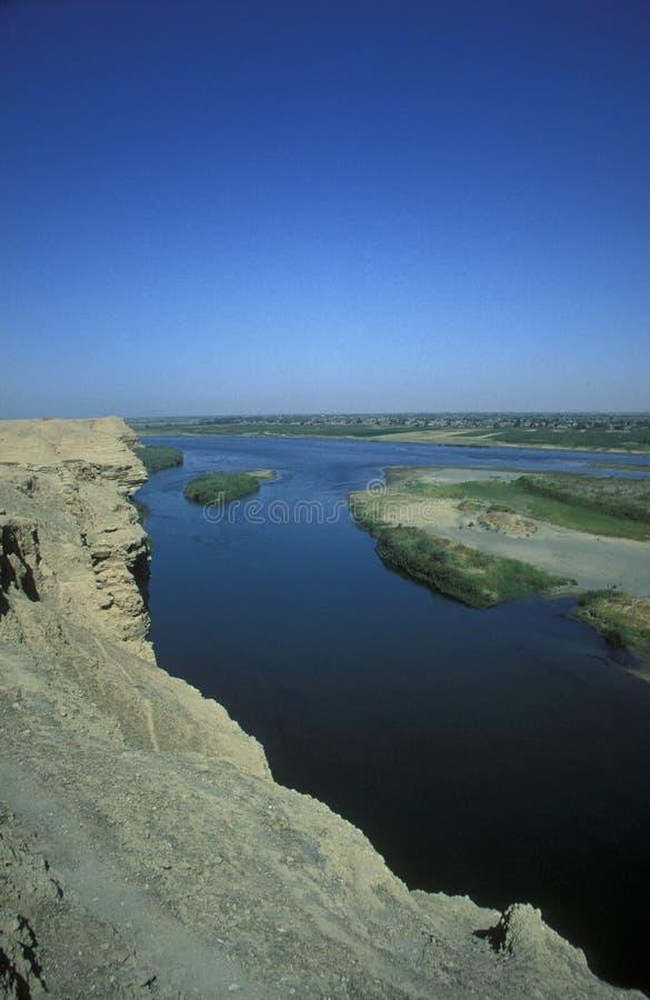 Download RÍO DEIR EZ ZUR DE ORIENTE MEDIO SIRIA EUPHRAT Imagen de archivo - Imagen de euphrates, guerra: 64211911