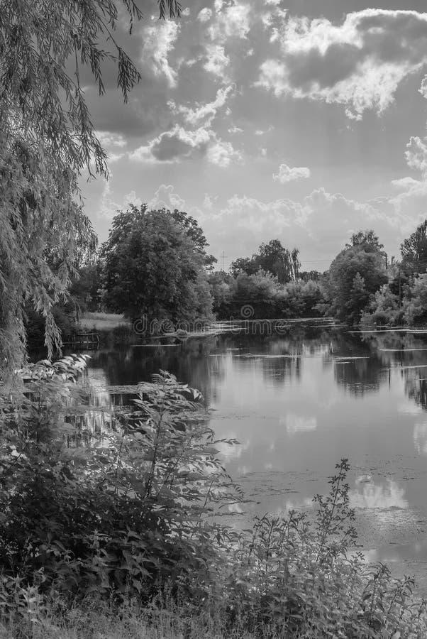 Río del pueblo imágenes de archivo libres de regalías