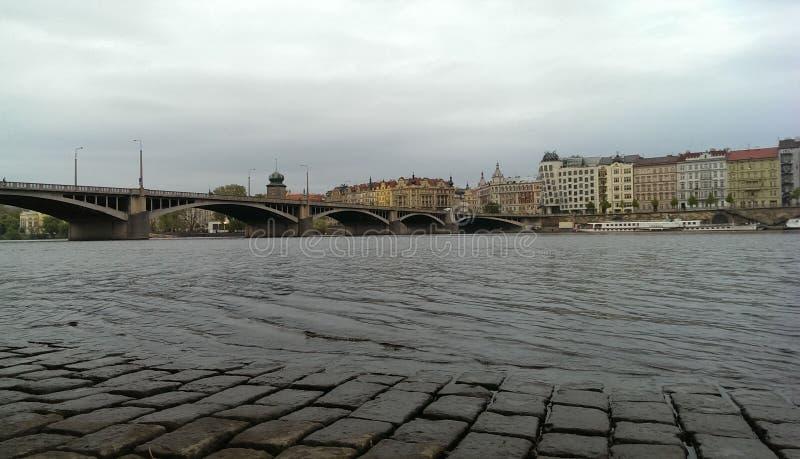Río del puente de Praga foto de archivo libre de regalías
