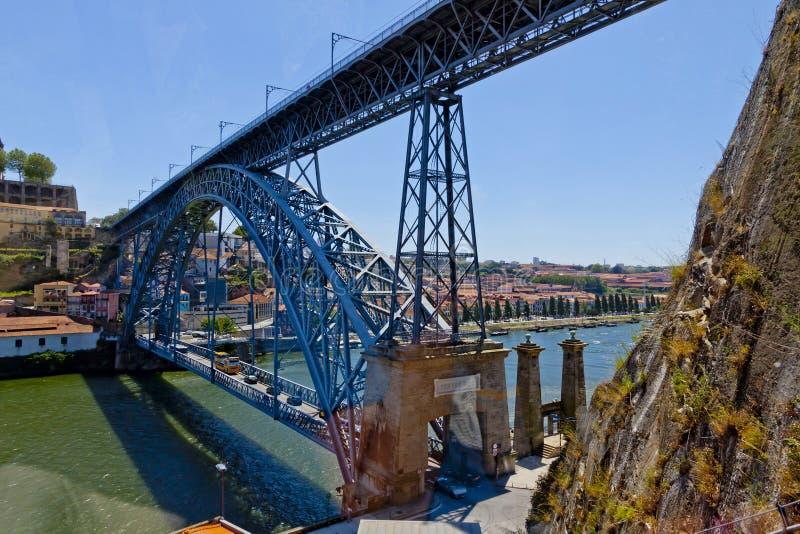 Río del puente y de Duoro de Dom Luis I, Oporto, Portugal foto de archivo libre de regalías