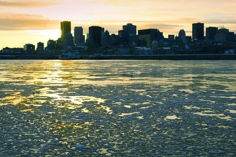 Río del St. Lorenzo en Montreal foto de archivo libre de regalías