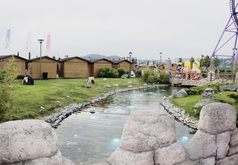 Río en el parque de Sochi fotos de archivo