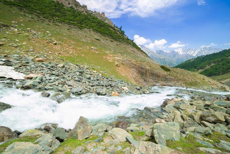 Download Río en montañas foto de archivo. Imagen de rango, mañana - 42441280