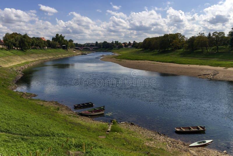 Río Kupa en Sisak, Croacia fotografía de archivo