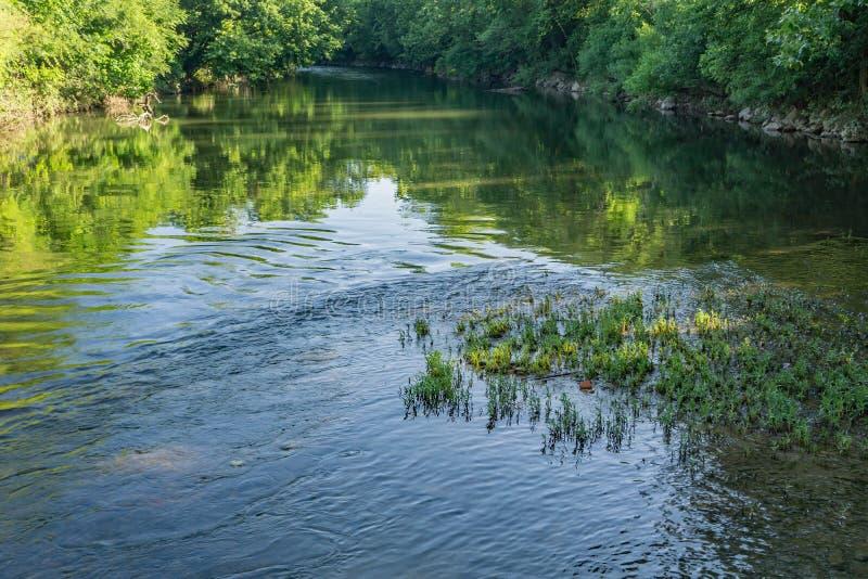 Río majestuoso de Roanoke imagen de archivo