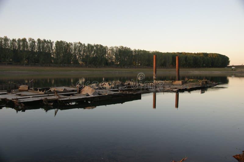 Río Moldavia de Dnistro fotos de archivo