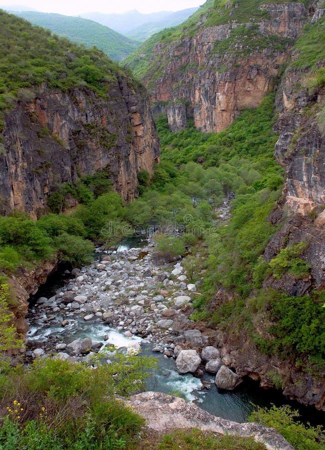 Río pedregoso foto de archivo