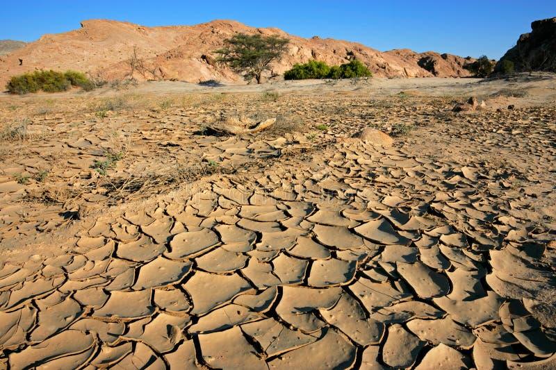Río seco, desierto de Namib, Namibia imagenes de archivo