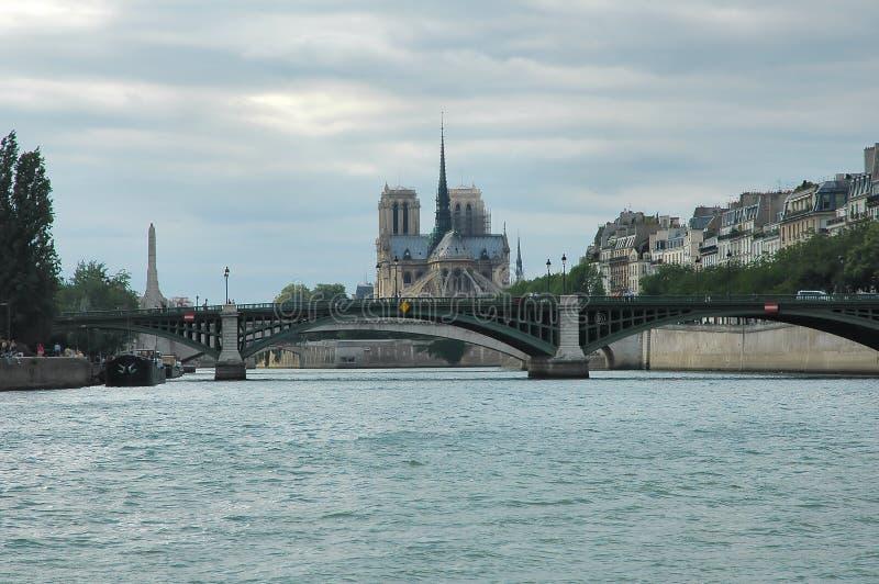 Download Río Seine imagen de archivo. Imagen de histórico, río, catedral - 186933