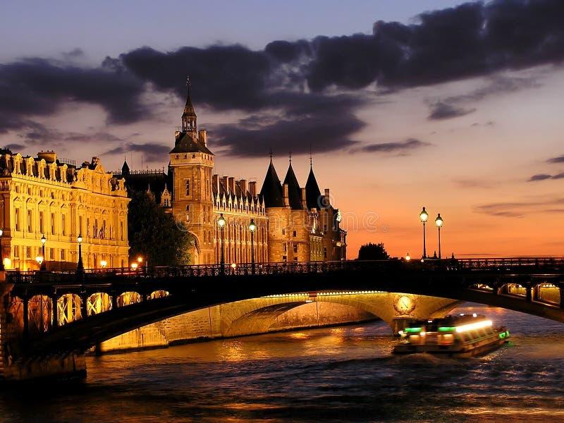 Río Seine en París fotos de archivo