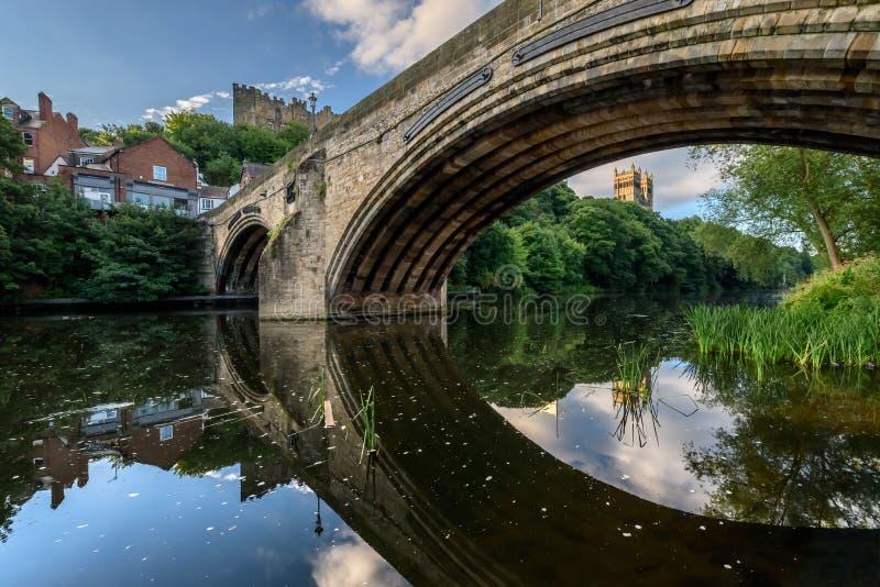 Río Wea Del Puente De Wellgate Del Marco Durham, Inglaterra Reino ...
