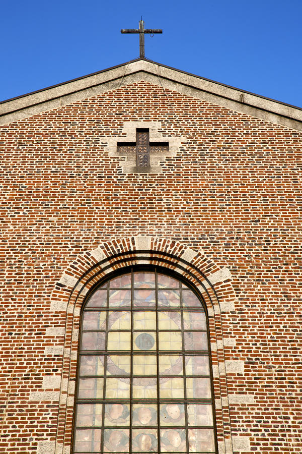 różany nadokienny Italy Lombardy turbigo stary kościół zdjęcie stock