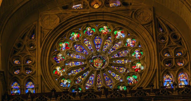 Różany Nadokienny Jezusowy żakiet Zbroi witraż Katedralny Toledo Hiszpania zdjęcia royalty free