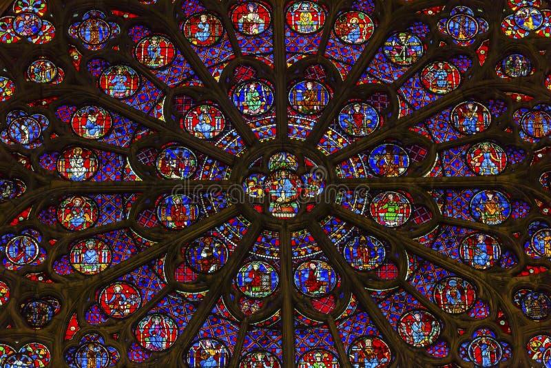Różany Nadokienny Jezusowy witraż Notre Damae Katedralny Paryski Francja zdjęcia stock