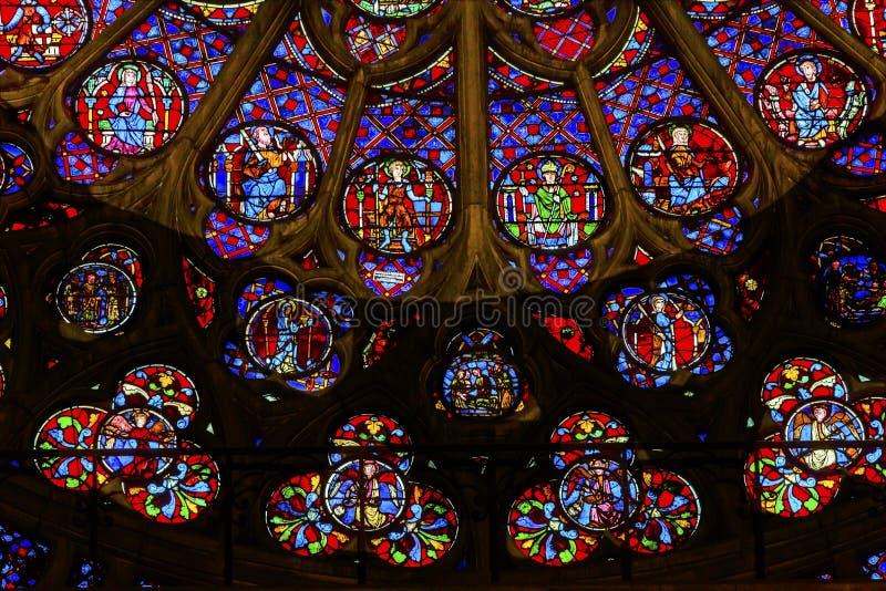 Różany Nadokienny Jezusowy witraż Notre Damae Katedralny Paryski Francja obrazy royalty free