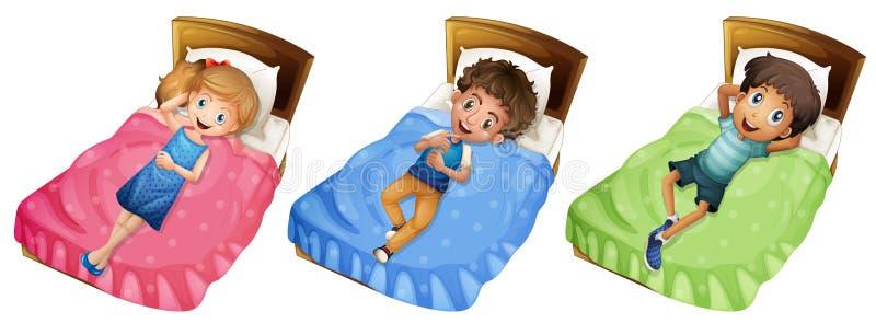 Różni dzieci relaksuje na łóżku royalty ilustracja