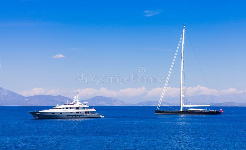 Różni typ jachtów podróżować obraz stock