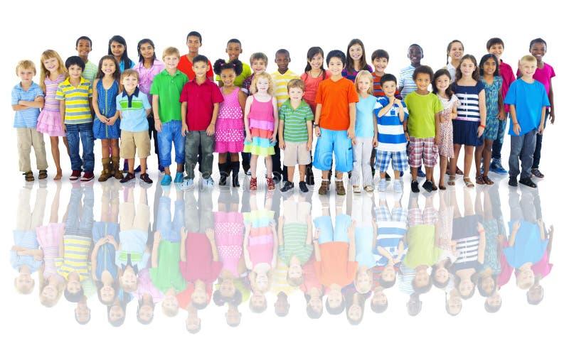 Różnorodna grupa dziecka studia strzał obrazy stock