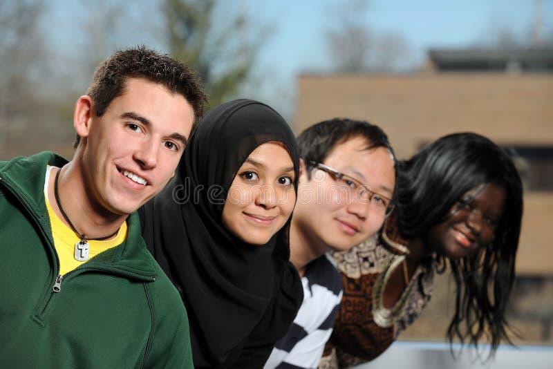 różnorodni grupowi ucznie zdjęcia stock
