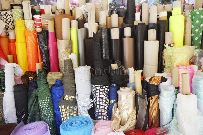 Różnorodni tkanina rygle W sklepie zdjęcia stock