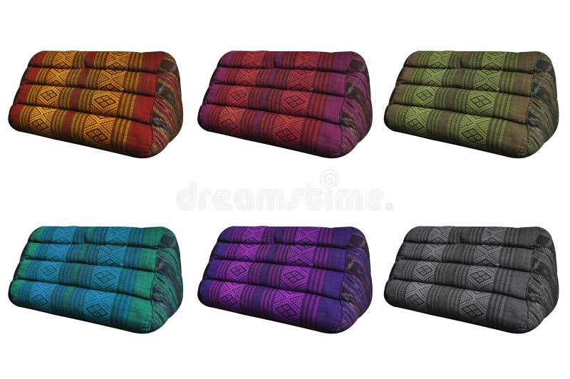 Różnorodnych colours trójboka Tajlandzkie poduszki odizolowywać na białym tle ilustracji